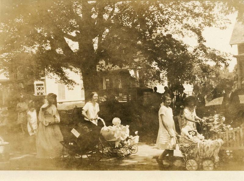 Hassell family Main St.jpg