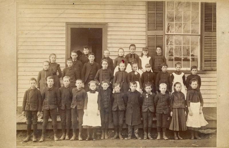1890 class photo.jpg