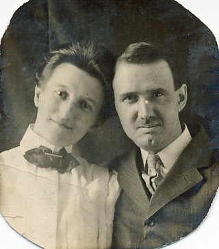 Mary & Edwin Cook 1910.jpg