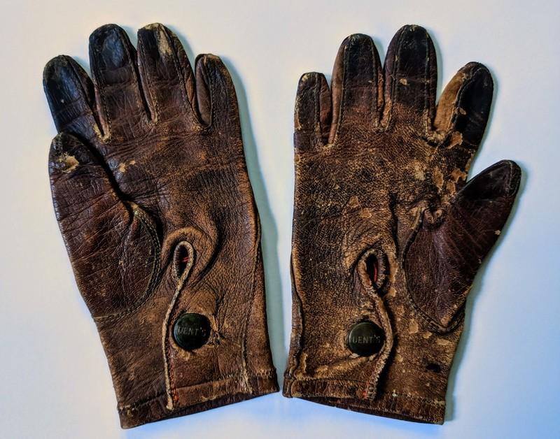 child's gloves.jpg