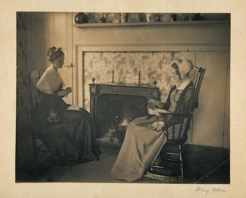 Harriet Childs & Elsie Packer.jpg