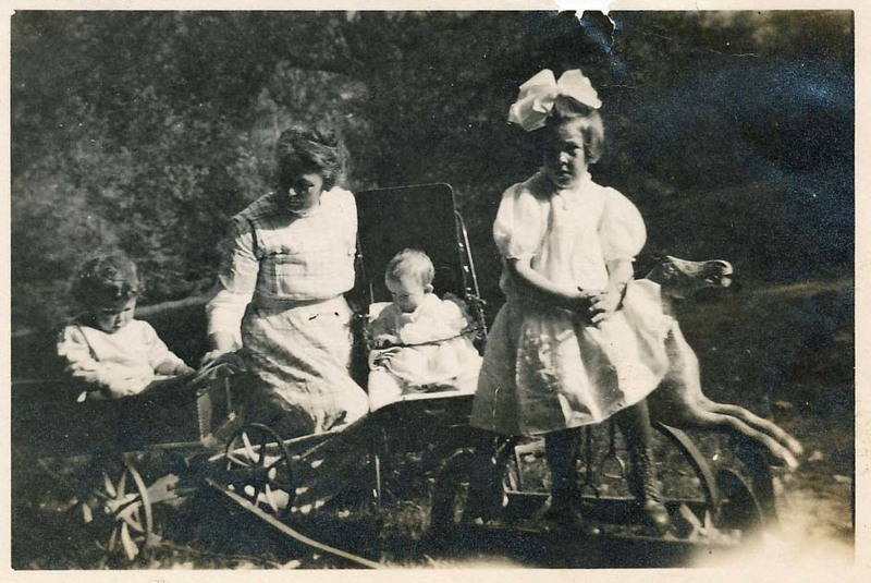Elizabeth Hassell with children.jpg