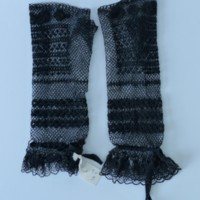 Lace Mourning Fingerless Gloves