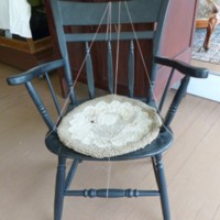 Windsor Chair with Hooked Pad